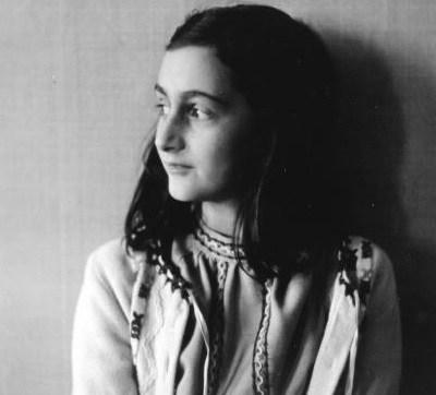 Expertos descifran textos ocultos del diario de Ana Frank