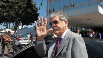 Exministro kirchnerista De Vido se entrega a justicia tras perder fuero