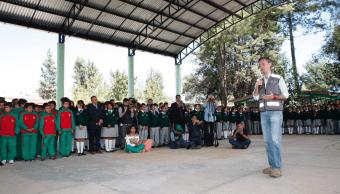 Hay tiempo para que estudiantes afectados por sismo cumplan ciclo escolar: Nuño