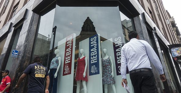 Confianza de consumidores crece ligeramente 1% de agosto a septiembre