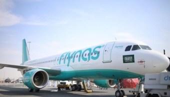 Aterriza en Bagdad el primer avión comercial saudita en 27 años