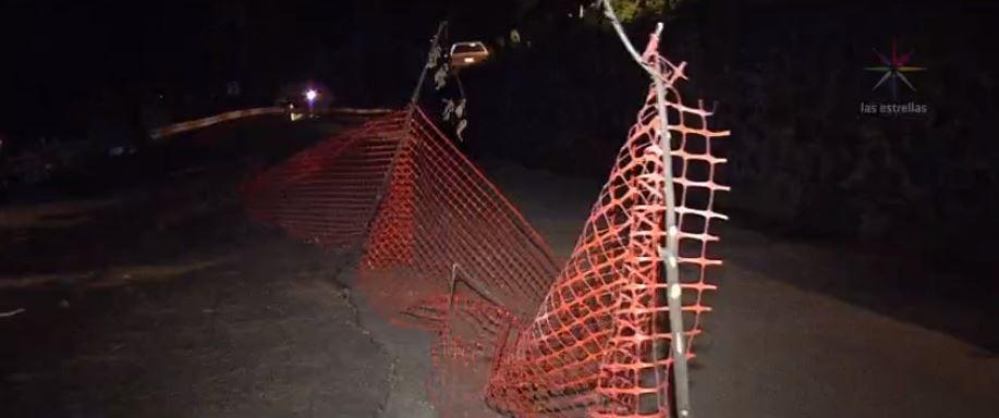 Bloqueo por grietas en la carretera de Xochimilco