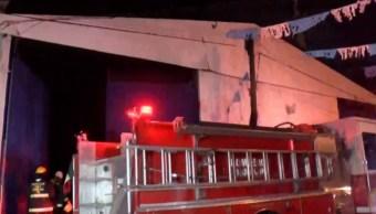 bomberos controlan un incendio en guadalajara