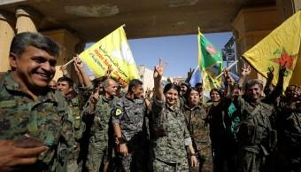 Dan golpe al Estado Islámico en Siria; cae su bastión de Raqa