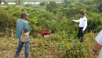Camioneta con jornaleros cae a barranco en Sinaloa