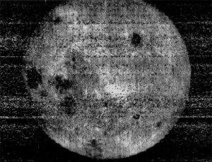 Cara oculta de la Luna fotografiada por la sonda espacial Luna 3