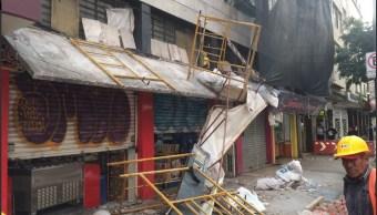 Cae marquesina de un edificio en la CDMX