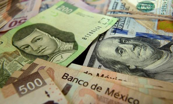 dolar cierra 19 38 pesos bancos capitalinos