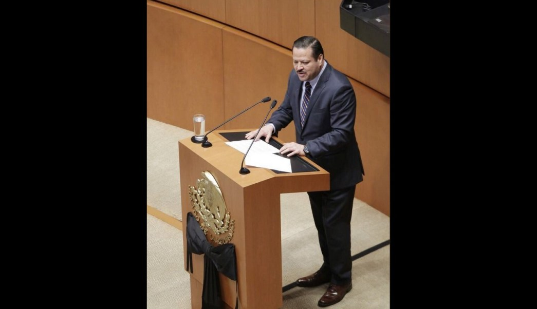 Senadora Calderón tomó una decisión congruente: Fernando Herrera