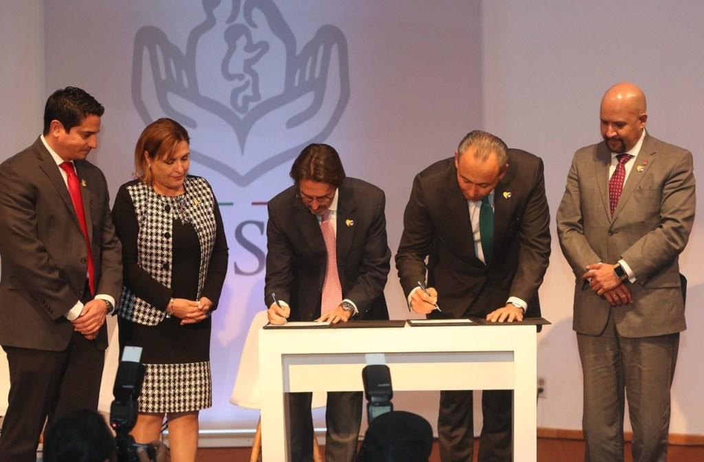 issste y teleton firman segundo convenio apoyar menores discapacidad