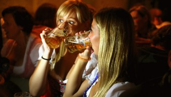 Cerveza rubia en Oktoberfest