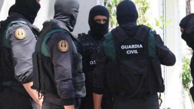 España detiene a reclutadora del Estado Islámico con ayuda del FBI