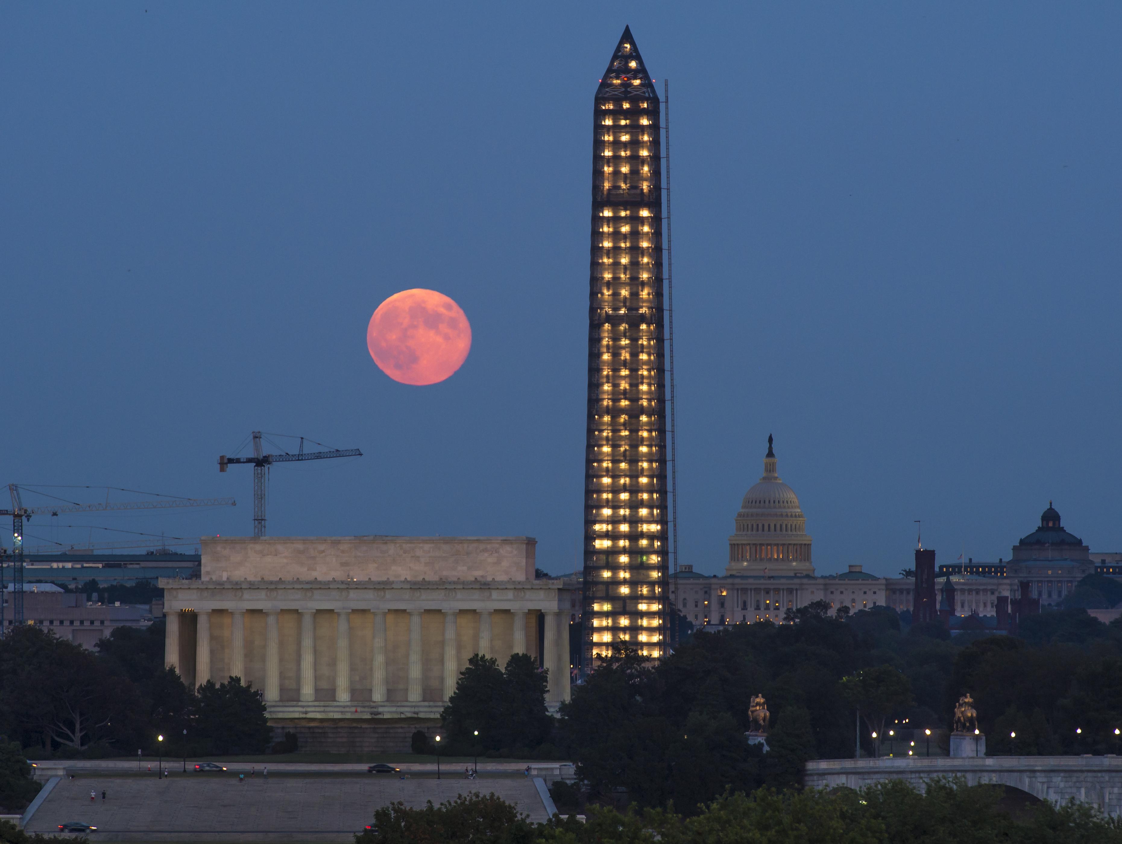 Luna de esta noche será especial, voltee al cielo