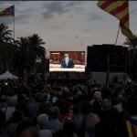 Independentistas catalanes siguieron con atención el discurso de Puidgemont