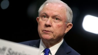 Fiscal Jeff Sessions se niega revelar conversaciones Trump Rusia