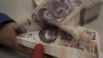 La moneda mexicana pierde en línea con el petróleo