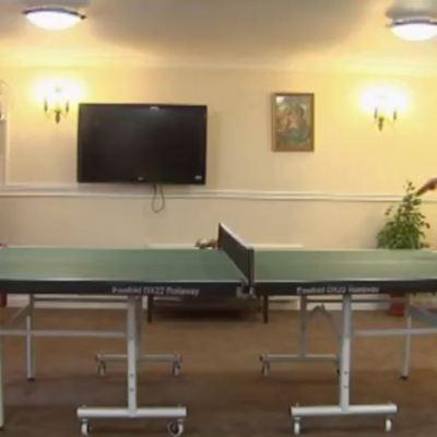 ¿Cómo beneficia el ping pong a personas con Alzheimer?