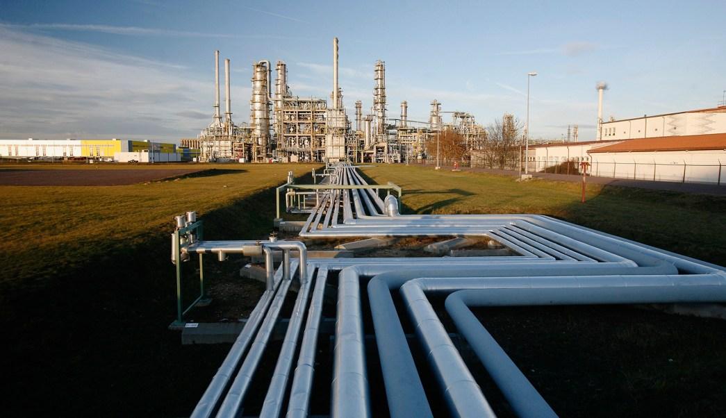 Los precios del petróleo se afectan por producción estadounidense