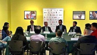 Luis Videgaray conversa con jóvenes DACA en Nueva York