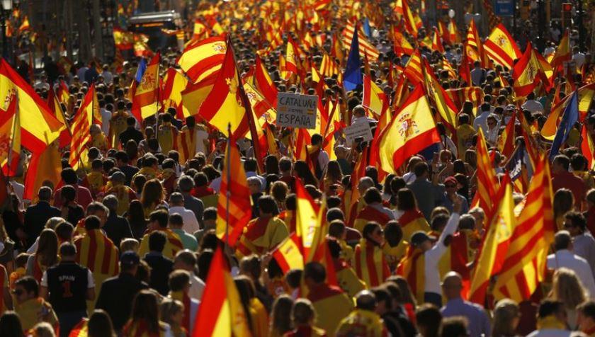 cientos participan marcha favor espana cataluña