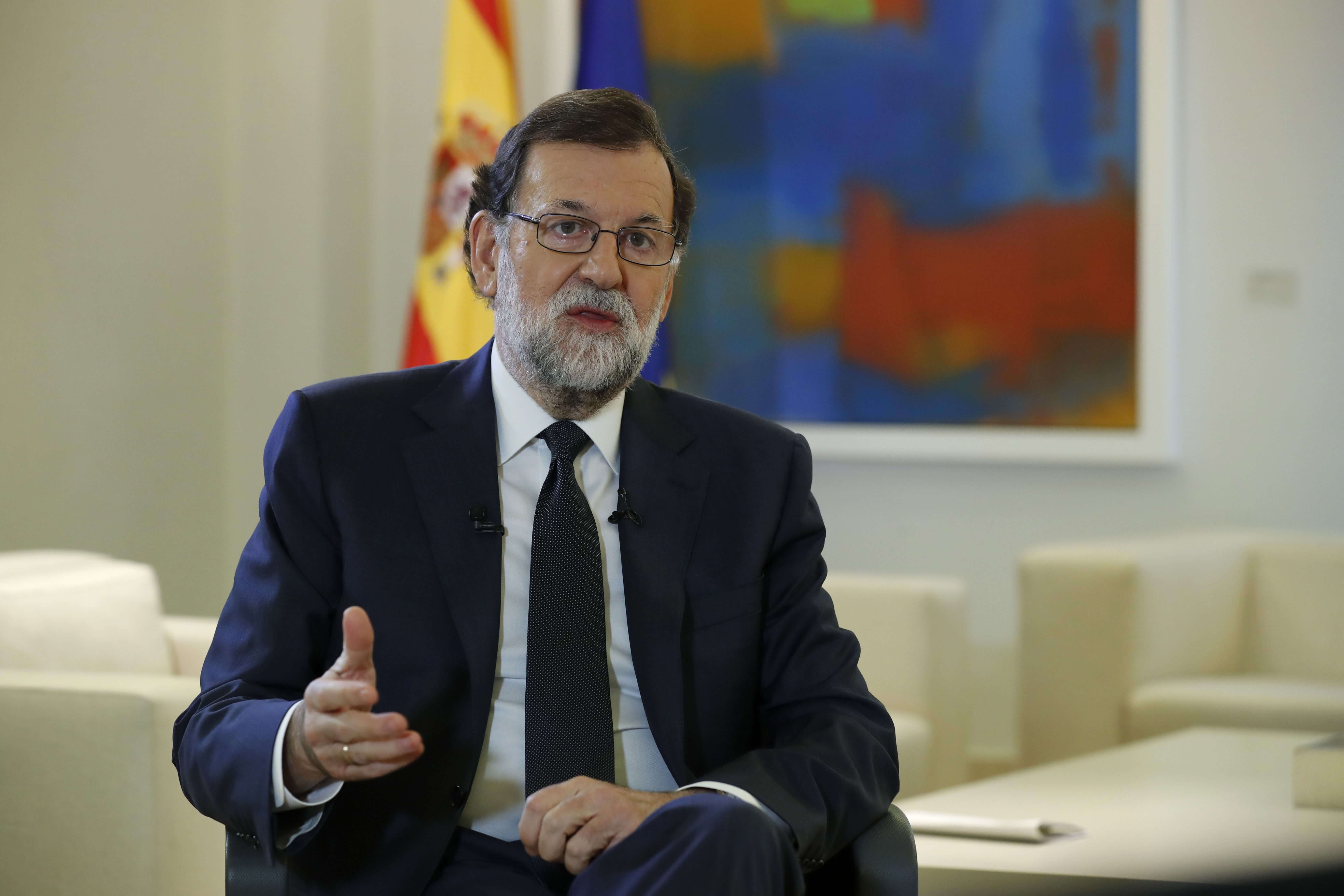 Rajoy le exige a Puigdemont suprimir su proyecto de declaración de independencia