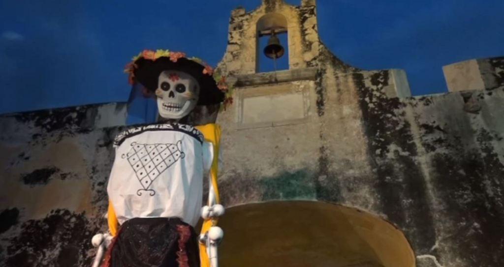 Niñas de Campeche participan en el concurso de Catrinas
