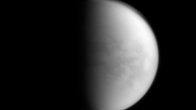 NASA descubre nube nociva hielo Titán luna Saturno