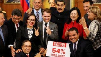 Candidatos opositores reconocen victoria oficialista Venezuela