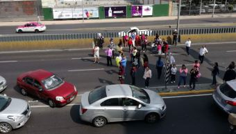padres de familia bloquean avenida río san q¿joaquin en cdmx