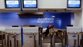 Paro laboral en Aerolíneas Argentinas afecta a miles de pasajeros