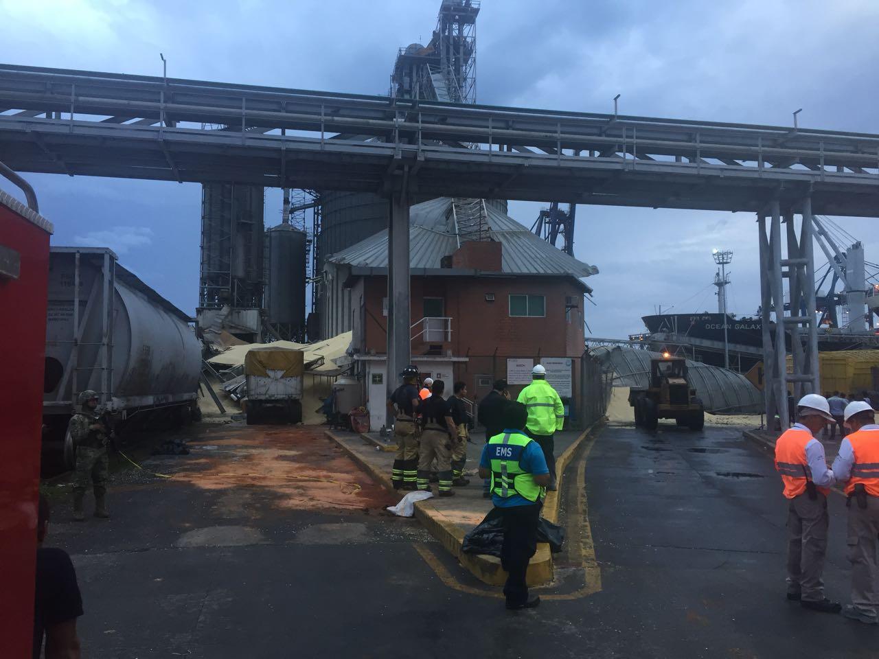 Un silo colapsa y provoca la desaparición de dos personas