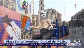 UNAM monta altar de muertos en la plaza de Santo Domingo