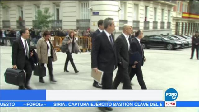 Emiten orden de detención contra Carles Puigdemont