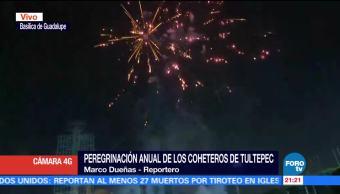 Peregrinación anual de los coheteros de Tultepec en la Basílica de Guadalupe