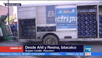 Camión se queda atascado en lodo en la delegación Iztacalco