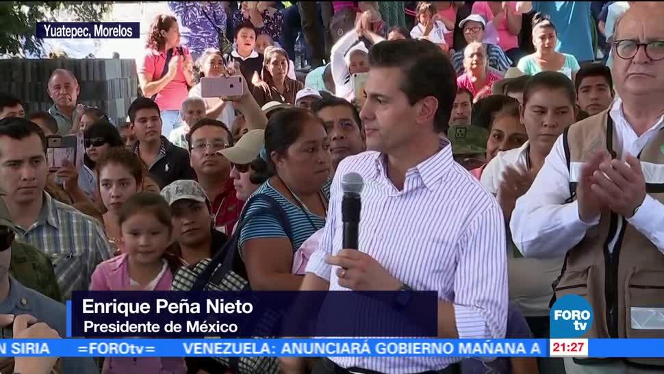 EPN entrega tarjetas de apoyo a damnificados en Morelos