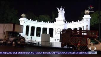 Instalan vallas en Av. Juárez, CDMX, por carrera de la Revolución Mexicana