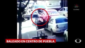 Disparan a un hombre tras discusión vial en Puebla