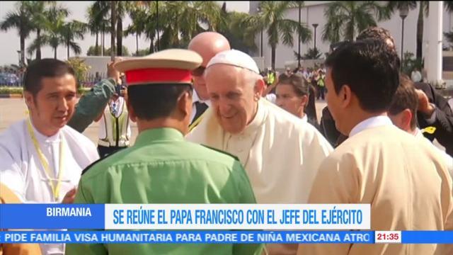Papa Francisco se reúne con jefe del Ejército de Birmania