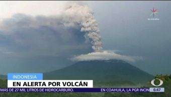 Ordenan desalojo en Bali por actividad del volcán Agung