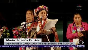 María de Jesús Patricio recolecta firmas en la UNAM