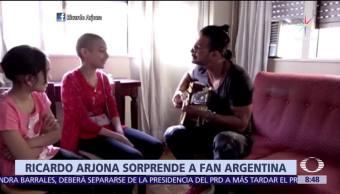 Ricardo Arjona realiza visita sorpresa a fan que padece cáncer