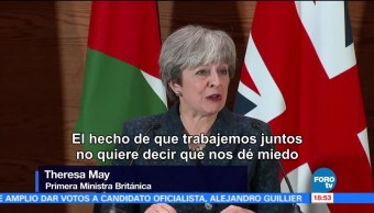 Theresa May en desacuerdo con tuits de Trump