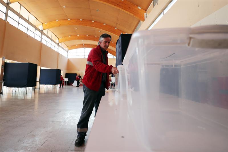 abren centros votacion eleccion presidencial chile