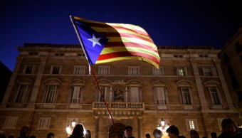 Miles se manifiestan en Barcelona para exigir libertad de exconsejeros de Puigdemont