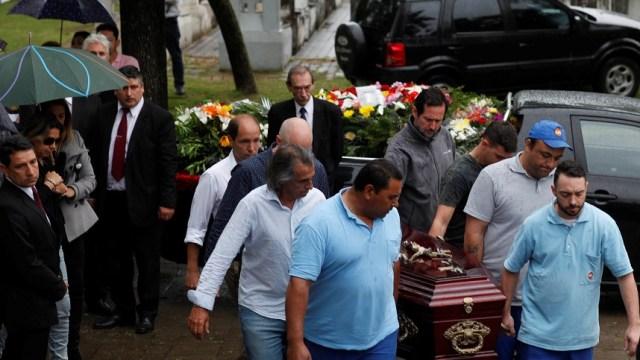 Dan último adiós a argentinos muertos en atentado de Nueva York