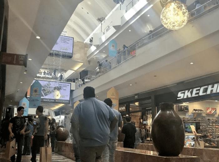 Reportan asalto a joyería de centro comercial en Santa Fe