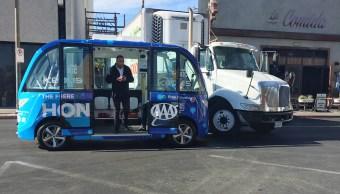 Autobús autónomo choca Las Vegas poco después operar