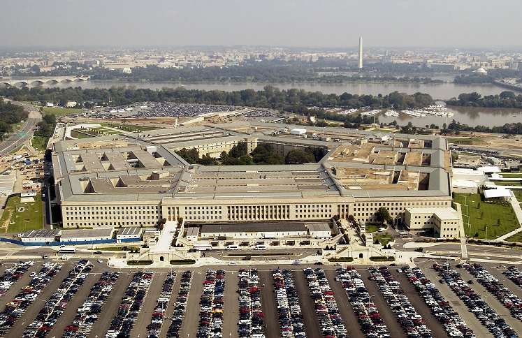 Cámara Baja aprueba presupuesto militar Trump