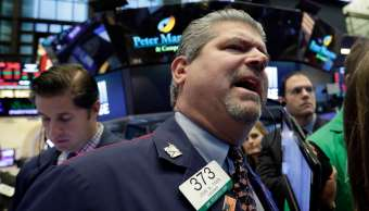 Bolsa de Nueva York cierra con alzas una sesión corta